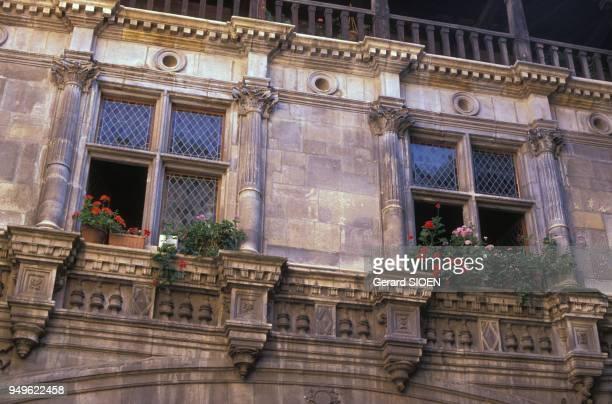 Façade de l'Hôtel de Bernuy à Toulouse, en Haute-Garonne, France.