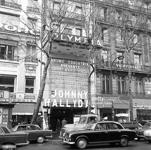 Façade de l'Olympia à Paris France en 1965