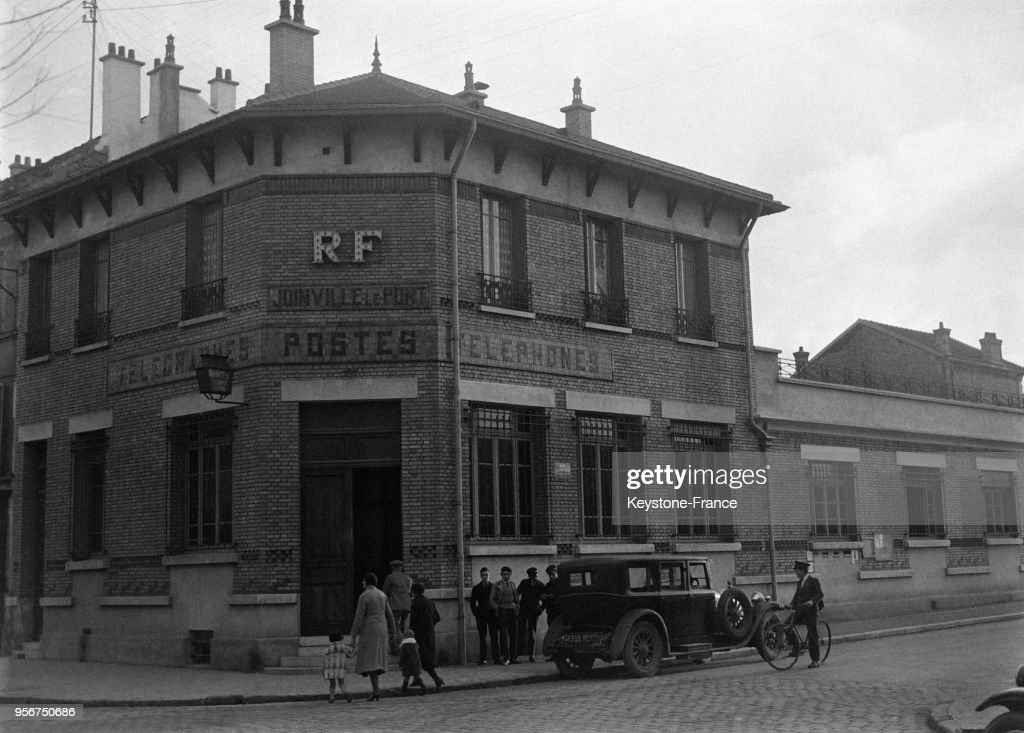 Bureau de poste pictures getty images