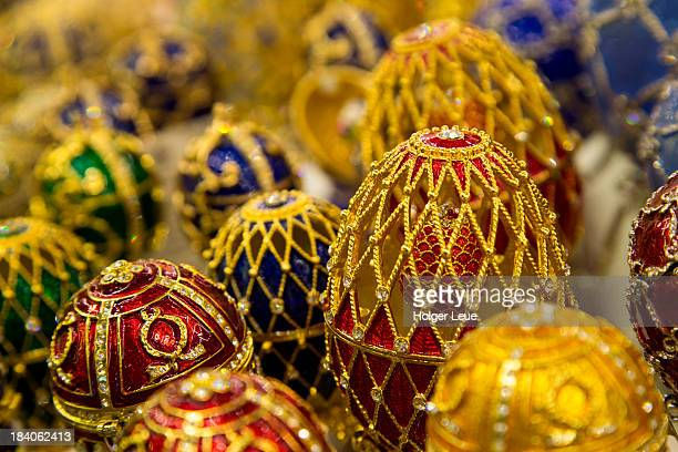 faberge style eggs for sale at souvenir shop - st. petersburg russia stock pictures, royalty-free photos & images