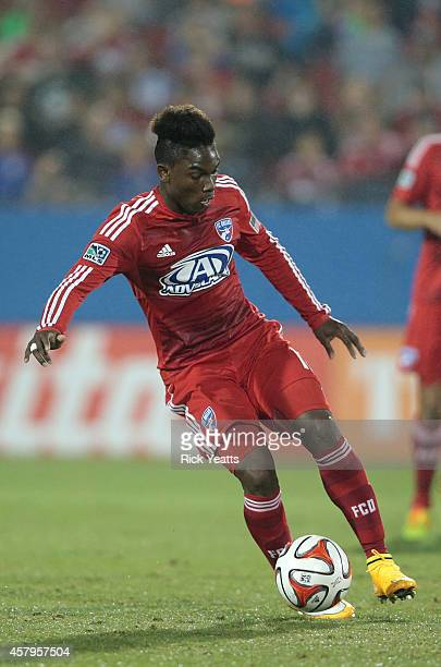 Fabian Castillo of FC Dallas dribbles the ball against the Los Angeles Galaxy at Toyota Stadium on October 12 2014 in Frisco Texas