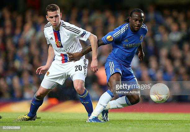 Fabian Frei of FC Basel and Victor Moses of Chelsea