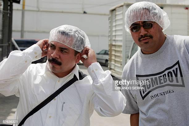 Fabian Montes y Pascual Torres arriban a EDECA una empresa donde trabajan jovenes mareros en proceso de rehabilitacion en Ciudad de Guatemala el 17...