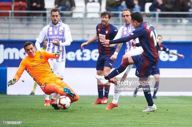 Fabian Orellana of SD Eibar shoots to score the first goal for SD Eibar during the La Liga match between SD Eibar and Real Valladolid CF at Ipurua...