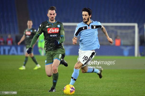 Fabian Ruiz of SSC Napoli compete for the ball with Luis Alberto of SS lazio during the Serie A match between SS Lazio and SSC Napoli at Stadio...