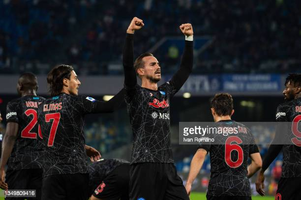 Fabian Ruiz of SSC Napoli with team mates after scoring a goal to make it 1-0 during the Serie A match between SSC Napoli and Bologna FC at Stadio...