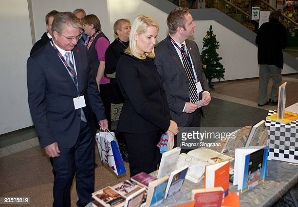 Fabian Stang the mayor of Oslo and Crown Princess MetteMarit of Norway attend the World Aids Day event at Romsas Frivillighetssentral on December 1...