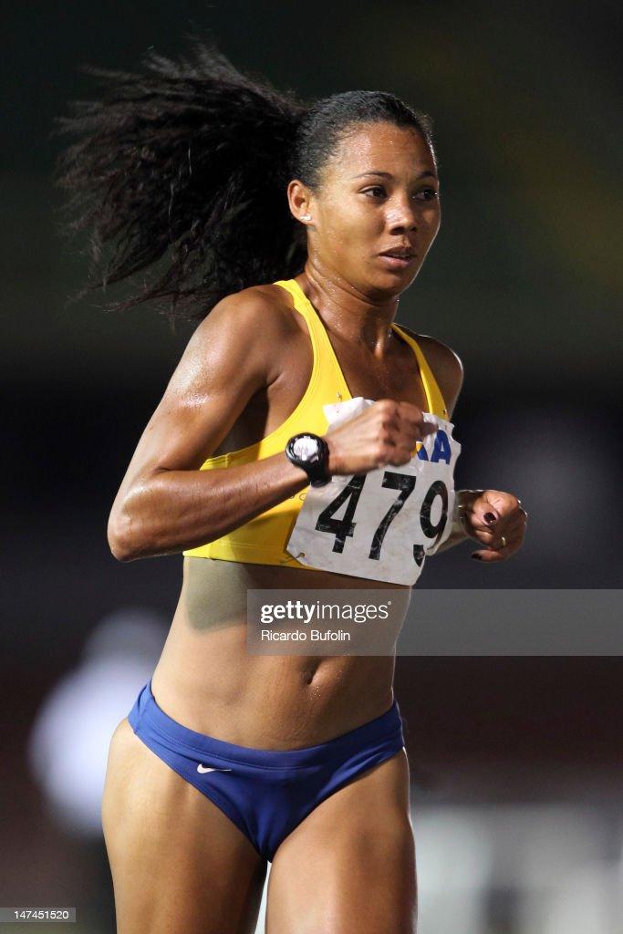 Fabiana Cristine da Silva, from Brazil, competes in the 5000 Meters Final event during the third day of the Trofeu Brazil/Caixa 2012 Track and Field Championship, at êcaro de Castro Mello Stadium on June 29, 2012 in Ibirapuera, Sao Paulo, Brazil.