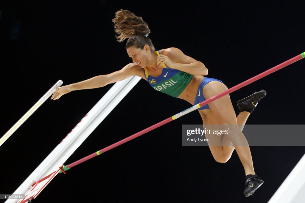 Fabiana Murer of Brazil competes in the women's pole vault final during day four of the 13th IAAF World Athletics Championships at the Daegu Stadium on August 30, 2011 in Daegu, South Korea.