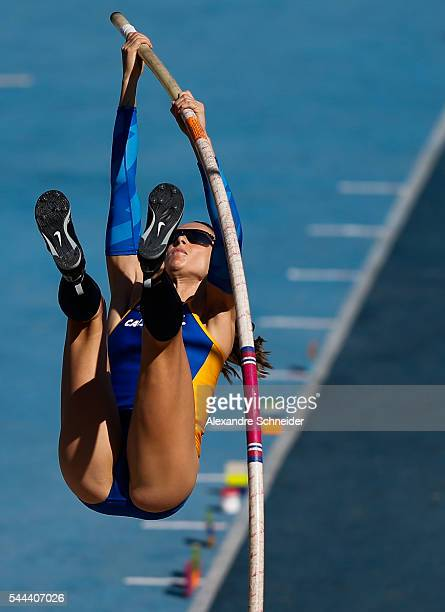 Fabiana Murer of Brazil competes in the Womens Pole Vault finals at Arena Caixa Complex to win the gold medal during day four of XXXV Brazil Caixa...