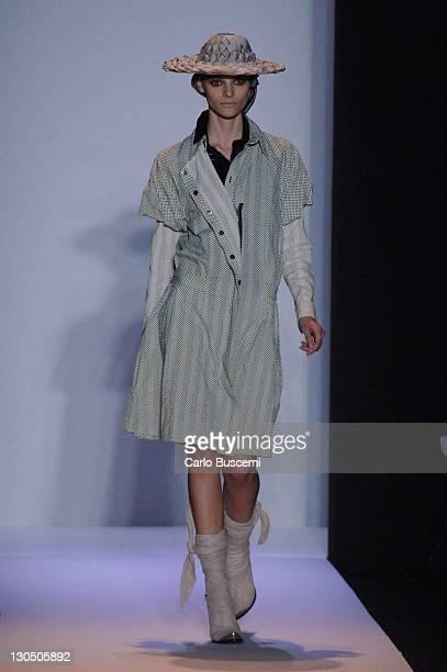 Fabiana Semprebom wearing Alexandre Herchcovitch Fall 2007