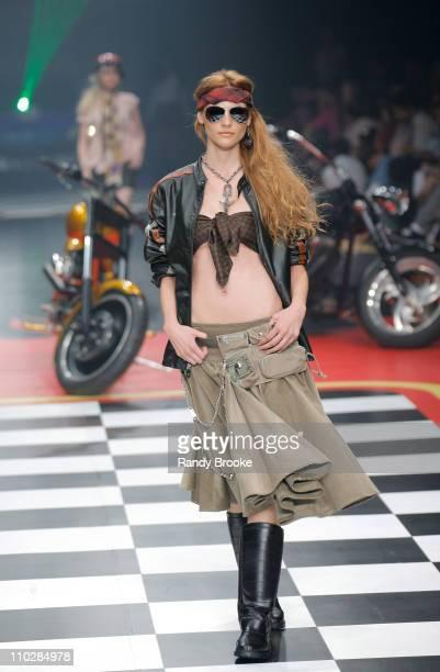 Fabiana Semprebom wearing Sandpiper Fall/Winter 2006