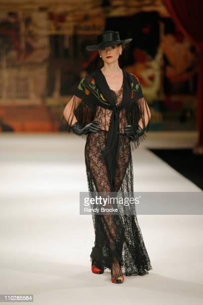 Fabiana Semprebom wearing Victor Dzenk Fall/Winter 2006