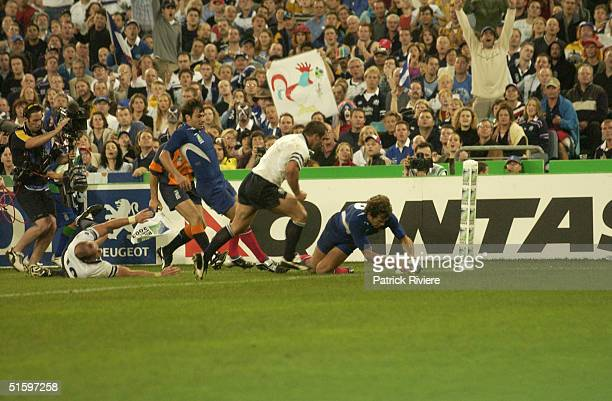 25 OCT 2003 Fabien Galthie's try during the Rugby World Cup 2003 first round pool C match France Vs Scotland at the Telstra Stadium in Sydney France...
