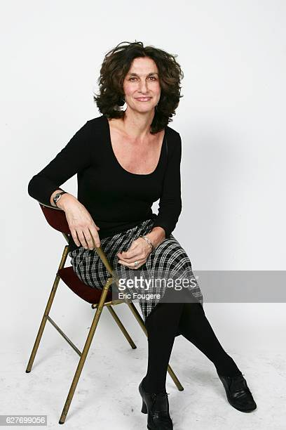 Fabienne ServanSchreiber in the studio at the 2004 French Television Producer's awards