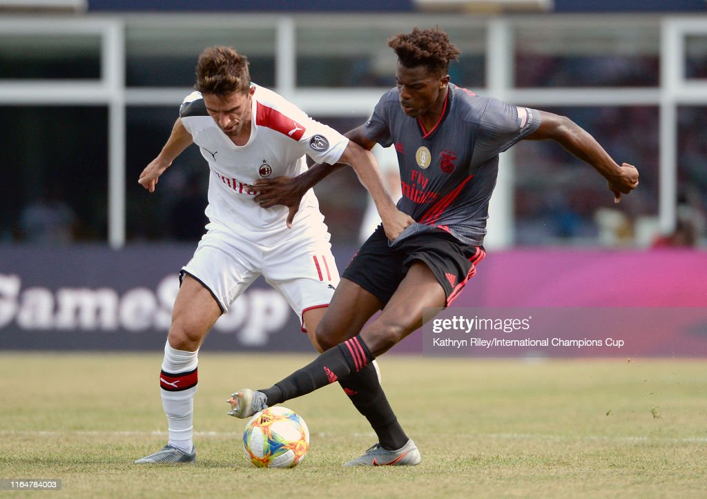 AC Milan v Benfica - 2019 International Champions Cup : News Photo