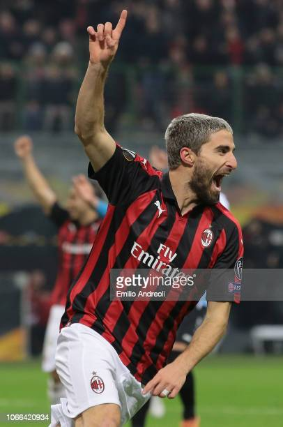 Fabio Borini of AC Milan celebrates his goal during the UEFA Europa League Group F match between AC Milan and F91 Dudelange at Stadio Giuseppe Meazza...