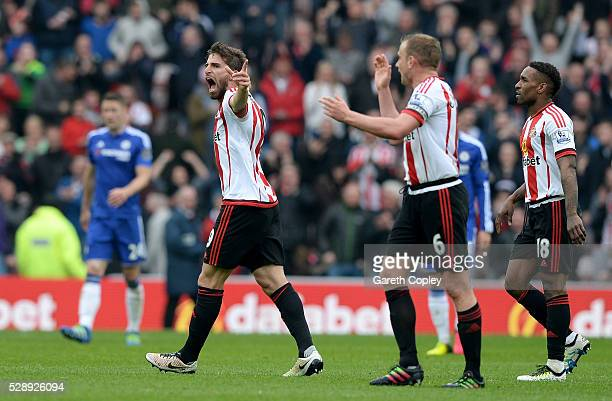Fabio Borini of Sunderland celebrates scoring his team's second goal during the Barclays Premier League match between Sunderland and Chelsea at the...