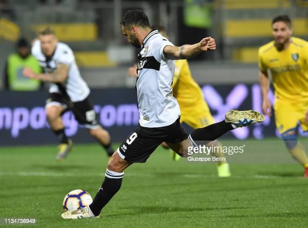 Fabio Ceravolo of Parma Calcio kicks the penalty and scores goal 2-2 during the Serie A match between Frosinone Calcio and Parma Calcio at Stadio...