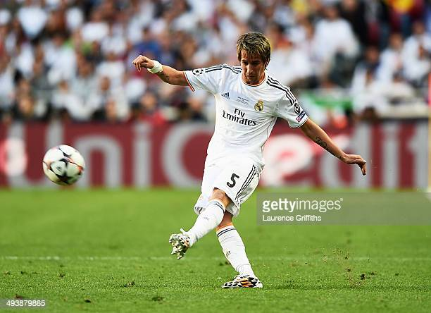 Fabio Coentrao of Real Madrid in action during the UEFA Champions League Final between Real Madrid and Atletico de Madrid at Estadio da Luz on May 24...
