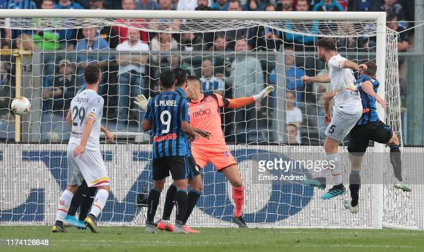Fabio Lucioni of US Lecce scores his goal during the Serie A match between Atalanta BC and US Lecce at Gewiss Stadium on October 6 2019 in Bergamo...
