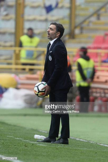 Fabio Pecchia head coach of Hellas Verona FC reacts during the serie A match between Bologna FC and Hellas Verona FC at Stadio Renato Dall'Ara on...