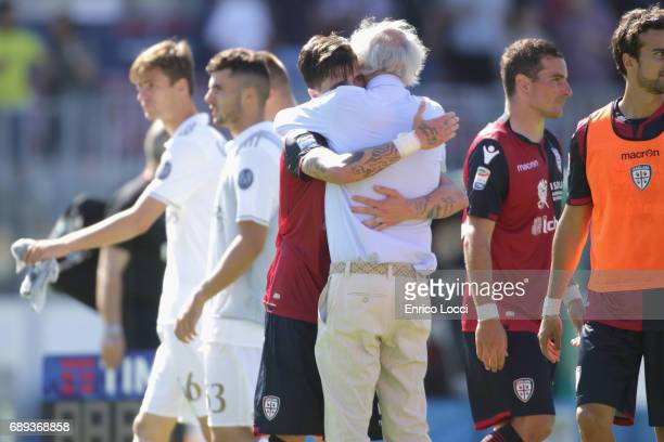 Fabio Pisacene of Cagliari celebrates his goal 21 during the Serie A match between Cagliari Calcio and AC Milan at Stadio Sant'Elia on May 28 2017 in...
