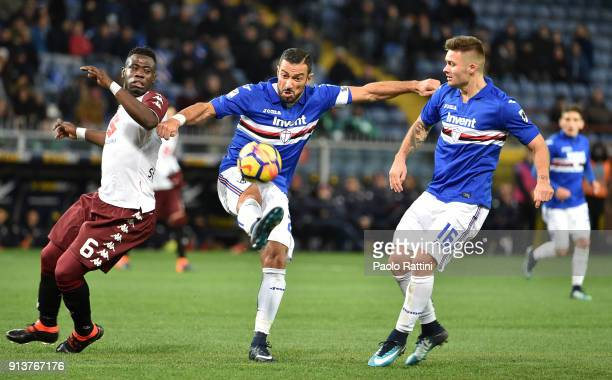 Fabio Quagliarella and Karol Linetty of Sampdoria opposed to Afriyie Acquah of Torino during the serie A match between UC Sampdoria and Torino FC at...
