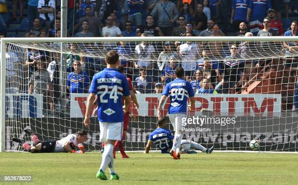 Fabio Quagliarella of Sampdoria celebrates after scoring to 20 during the serie A match between UC Sampdoria and Cagliari Calcio at Stadio Luigi...