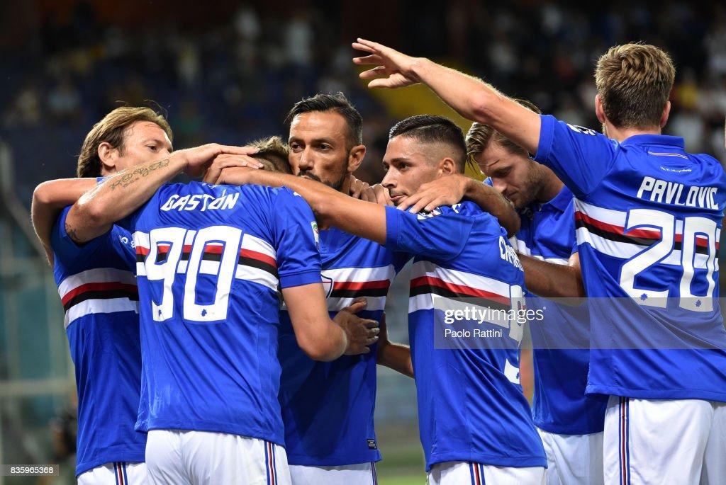 Fabio Quagliarella of Sampdoria celebrates with team mates after scoring during the Serie A match between UC Sampdoria and Benevento Calcio at Stadio Luigi Ferraris on August 20, 2017 in Genoa, Italy.