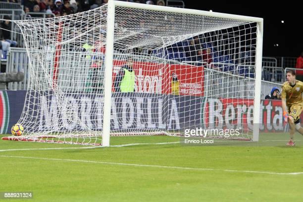 Fabio Quagliarella of Sampdoria scores his goal 02during the Serie A match between Cagliari Calcio and UC Sampdoria at Stadio Sant'Elia on December 9...