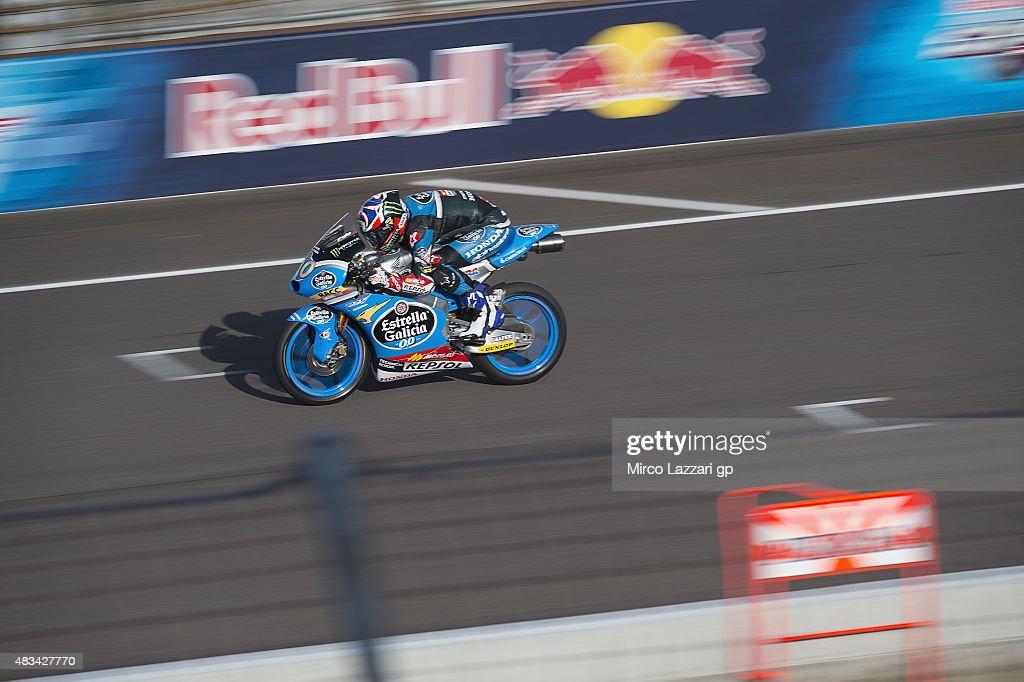 Fabio Quartararo of France and Estrella Galicia 0,0 heads down a straight during the MotoGp Red Bull U.S. Indianapolis Grand Prix - Qualifying at Indianapolis Motor Speedway on August 8, 2015 in Indianapolis, Indiana.