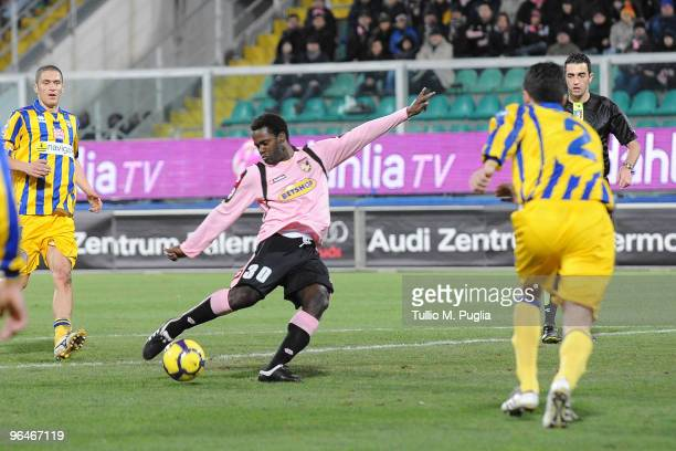 Fabio Simplicio scores a goal during the Serie A match between Palermo and Parma at Stadio Renzo Barbera on February 6, 2010 in Palermo, Italy.