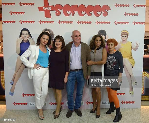 Fabiola Toledo Loles Leon Juan Luis Iborra Lolita Flores and Alicia Orozco attend a press presentation for their latest theater work 'Mas Sofocos' at...