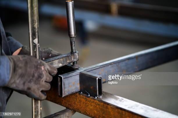 fabbricazione di costruzioni metalliche - ferro foto e immagini stock