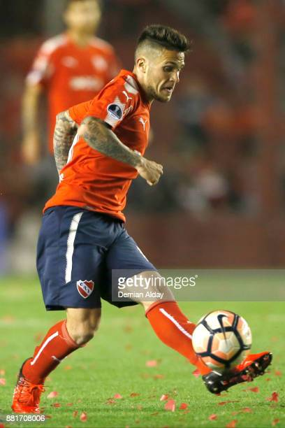 Fabricio Bustos of Independiente kicks the ball during a second leg match between Independiente and Libertad as part of the semifinals of Copa...