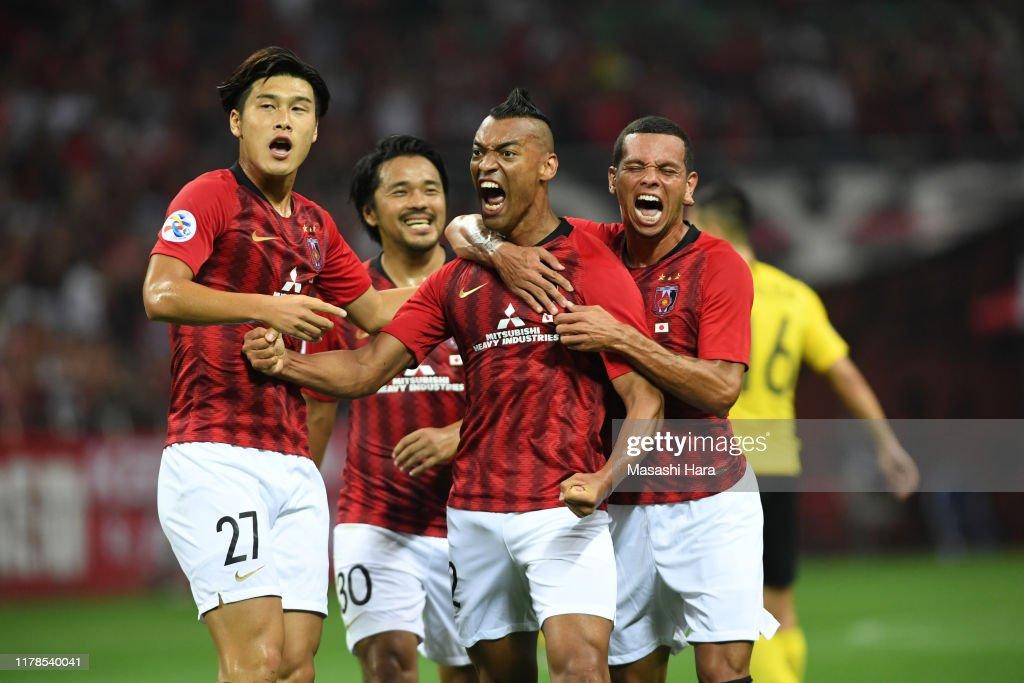 Urawa Red Diamonds v Guangzhou Evergrande - AFC Champions League Semi Final 1st Leg : ニュース写真