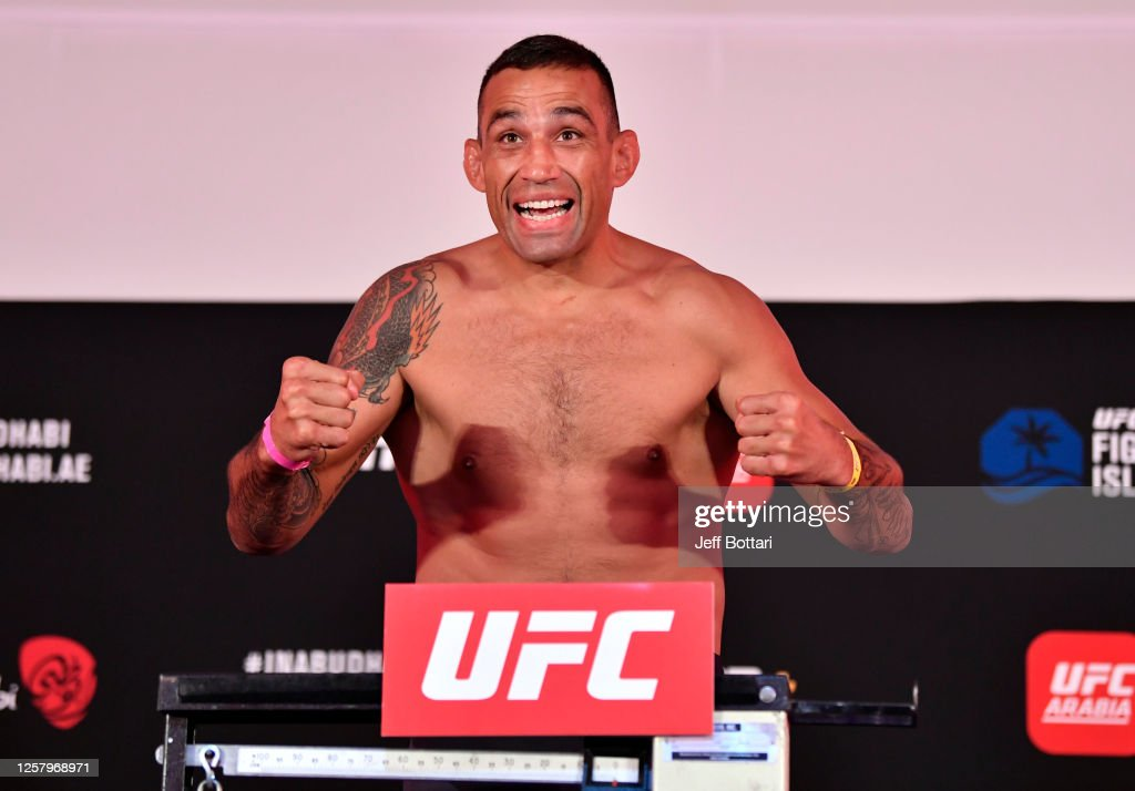 UFC Fight Night: Whittaker v Till Weigh-in : News Photo