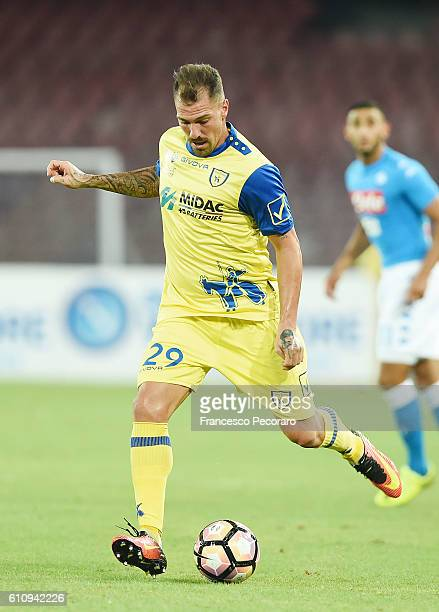 Fabrizio Cacciatore of ChievoVerona in action during the Serie A match between SSC Napoli and AC ChievoVerona at Stadio San Paolo on September 24...