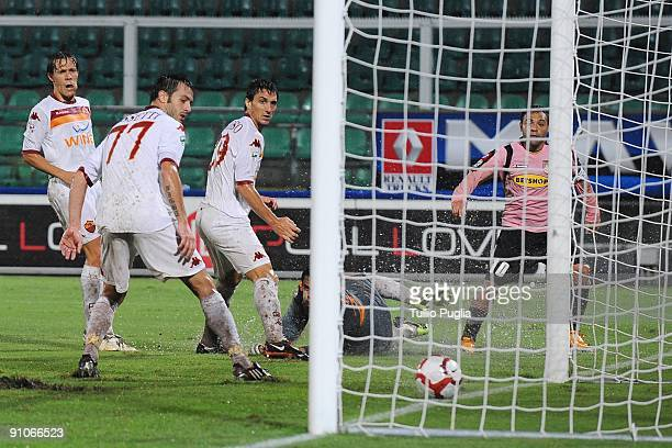 Fabrizio Miccoli of Palermo scores the second equalising goal during the Serie A match played between US Citta di Palermo and AS Roma at Stadio Renzo...