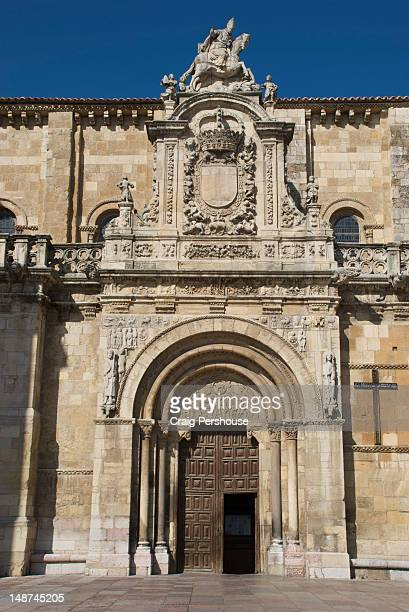 Facade and doorway of Real Basilica de San Isidoro.