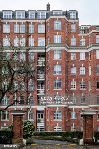facade of a 1930s private housing apartment block in uk - 20th century style stock pictures, royalty-free photos & images