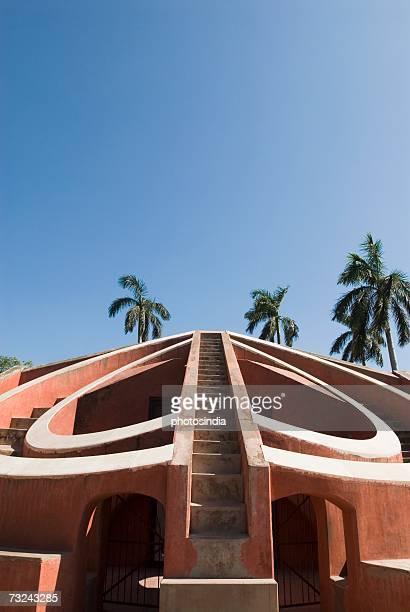 facade of a building, jantar mantar, new delhi, india - ジャンタルマンタル ストックフォトと画像