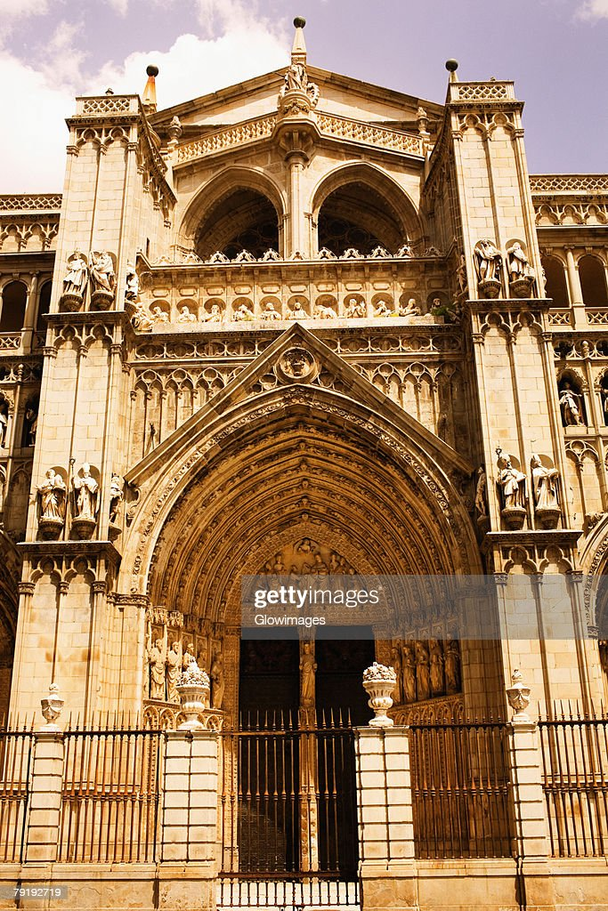 Facade of a cathedral, Cathedral Of Toledo, Toledo, Spain : Foto de stock