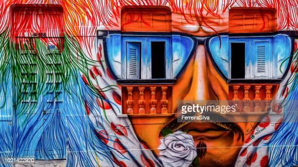 fachada de uma casa na cidade de olinda pintado com o tema do maracatu rural - arte - fotografias e filmes do acervo