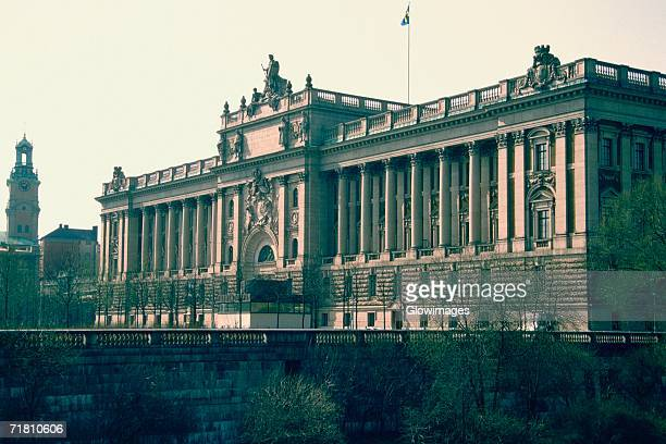facade of a palace, royal palace, stockholm, sweden - the stockholm palace stock pictures, royalty-free photos & images