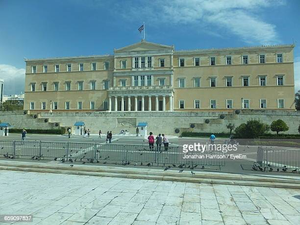 facade of hellenic parliament - greek parliament stock pictures, royalty-free photos & images