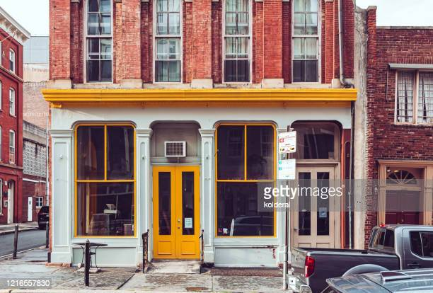 facade of historic building in philadelphia - 建物の正面 ストックフォトと画像