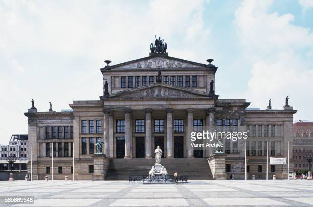 facade of konzerthaus berlin - konzerthaus berlin stock pictures, royalty-free photos & images