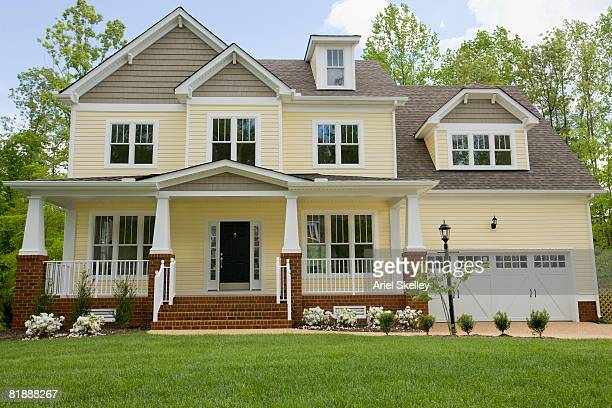 facade of new home - house exterior stock pictures, royalty-free photos & images